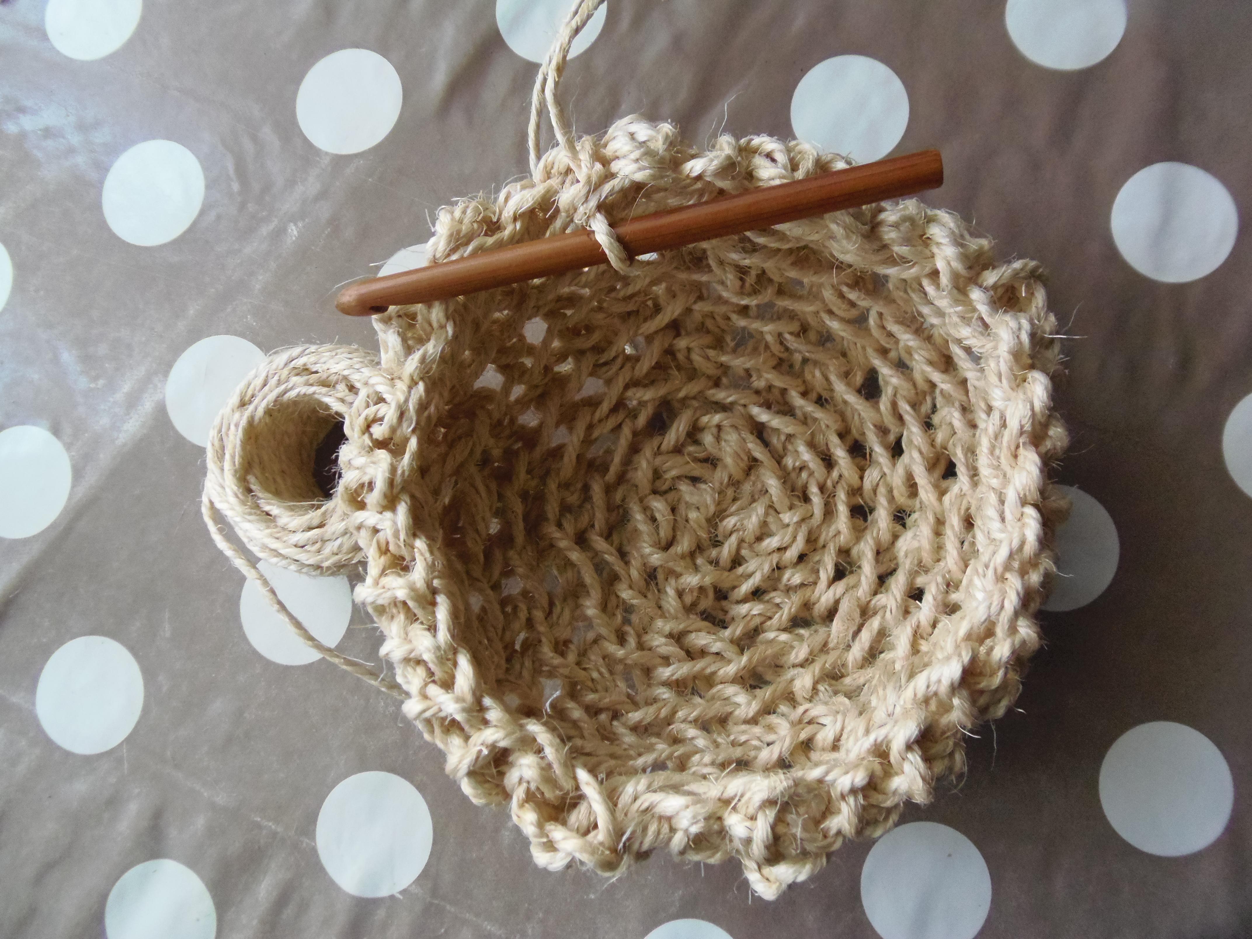 diy un petit panier en corde au crochet woodhappen. Black Bedroom Furniture Sets. Home Design Ideas