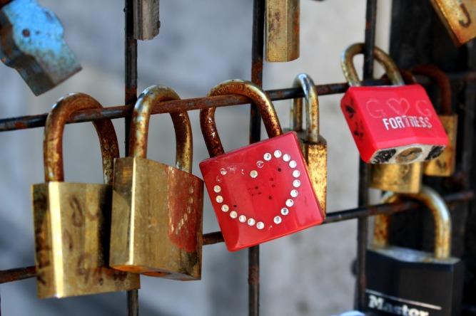 cadenas coeur paris