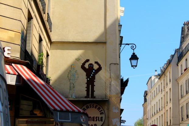 guerre des etoiles invaders murs paris street art