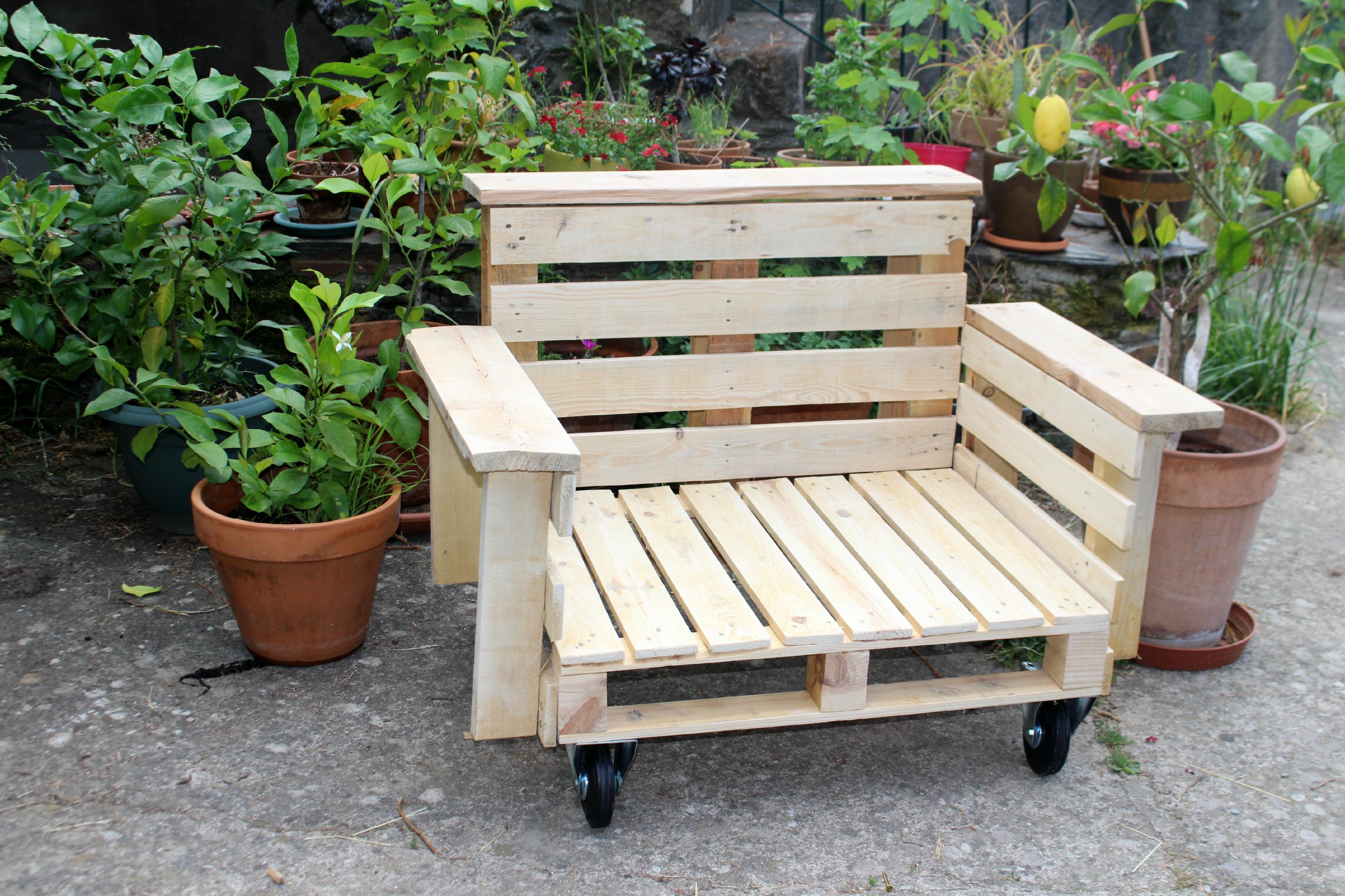 diy fauteuil outdoor et oui c est possible woodhappen. Black Bedroom Furniture Sets. Home Design Ideas