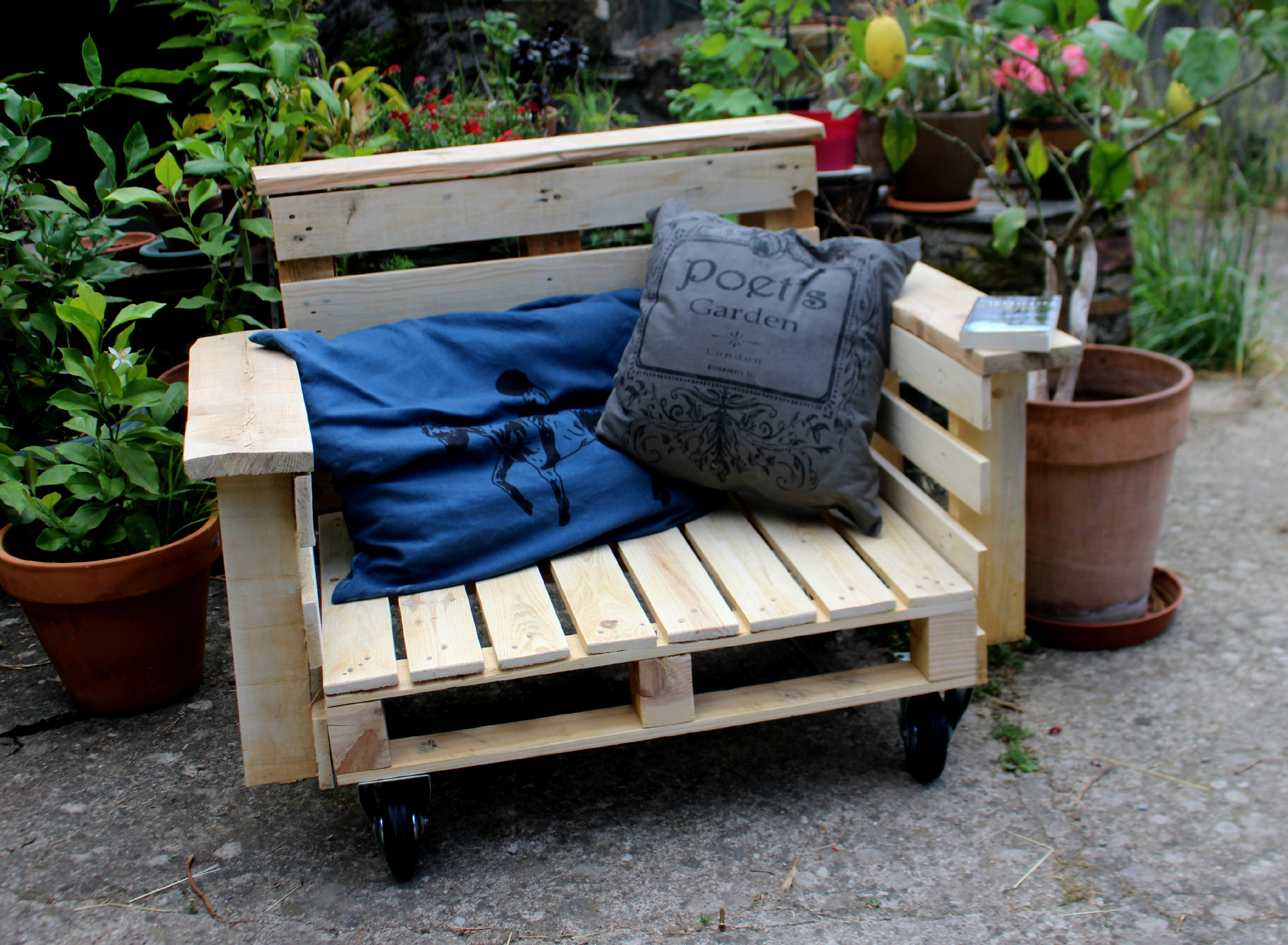 diy fauteuil outdoor et oui c est possible woodhappen. Black Bedroom Furniture Sets. Home Design Ideas