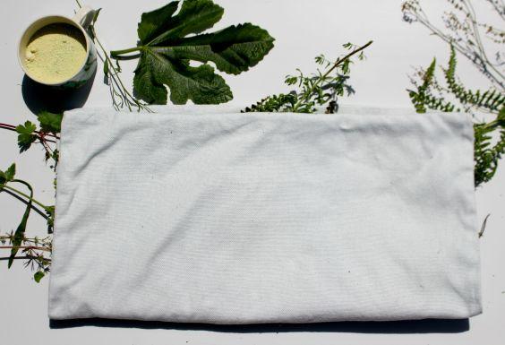 Impression de plantes sur une housse de coussin