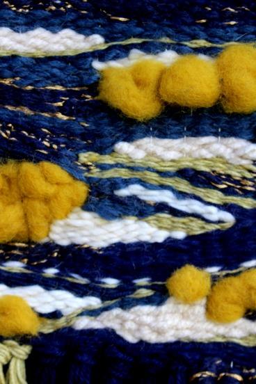 tissage détail woodhappen jaune moutarde et bleu marine