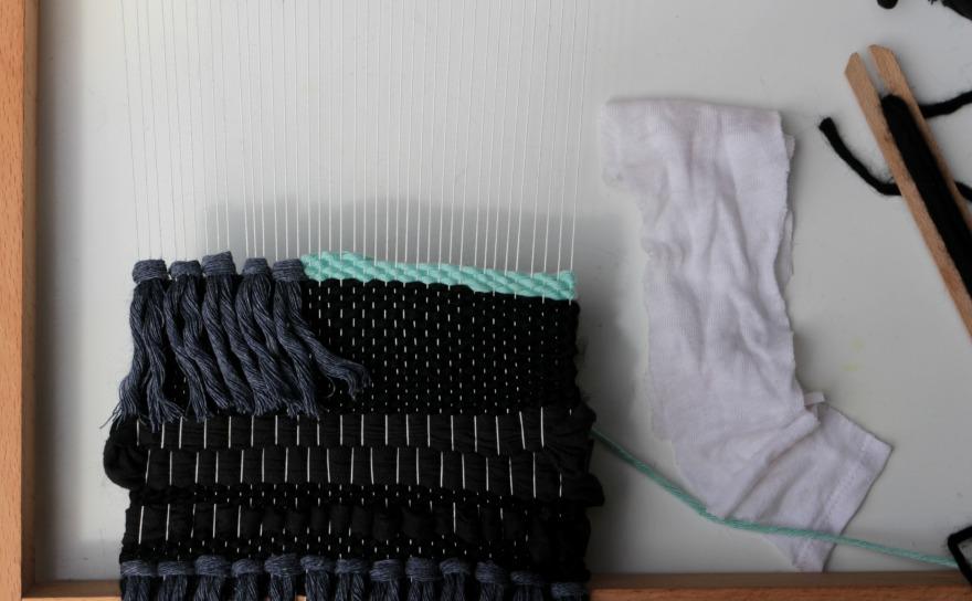 tisser du tissus en tissage contemporain