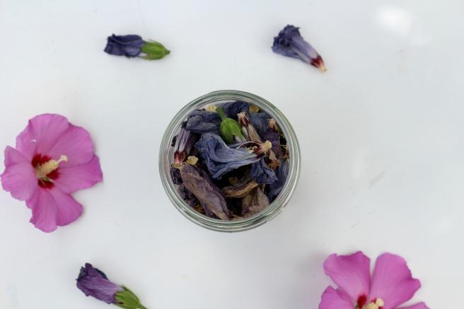 teinture végétale avec des fleurs