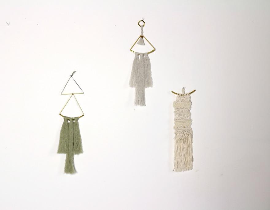 bijoux de mur en laiton et laine, macramé.jpg